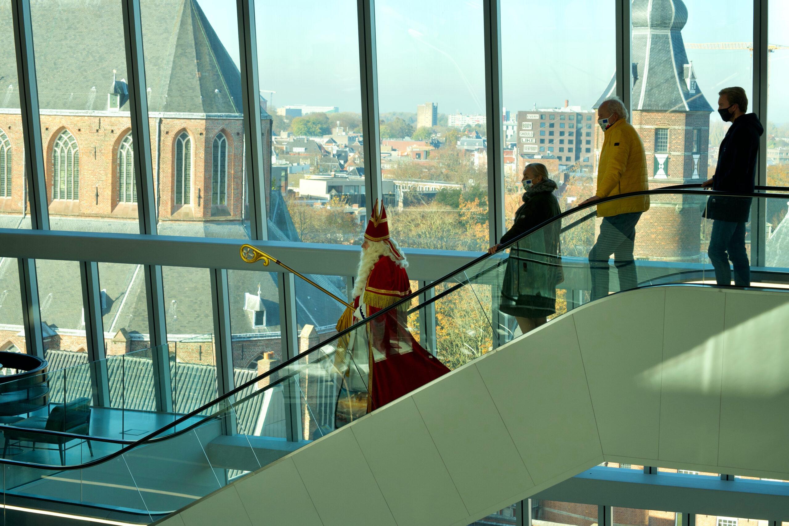 Groningen - Sint in het Forum